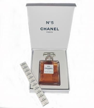 Chanel No 5 CASETA CADOU dama